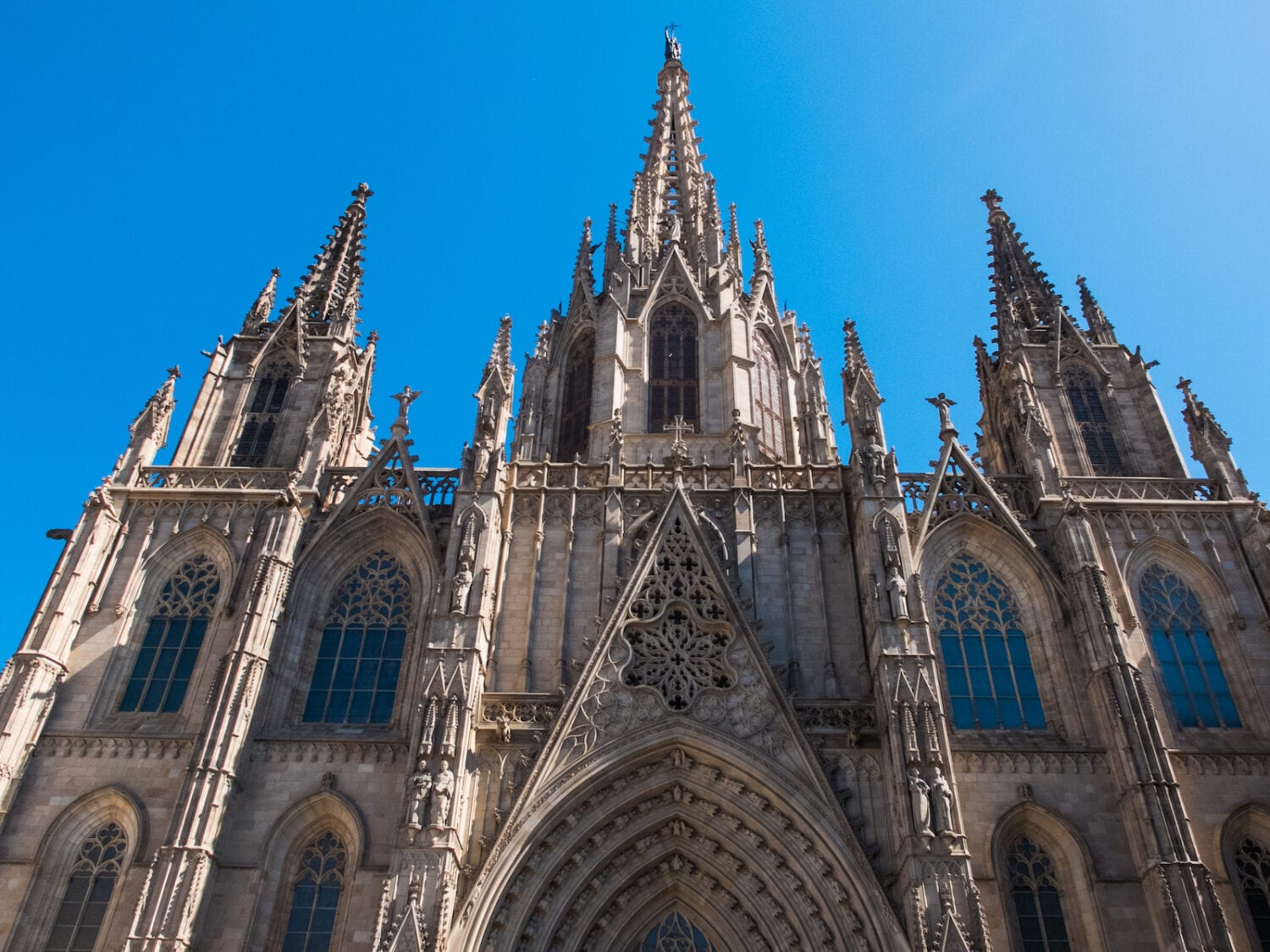 the ultimate self guided tour of the barcelona cathedral the creative adventurer barcelona cathedral