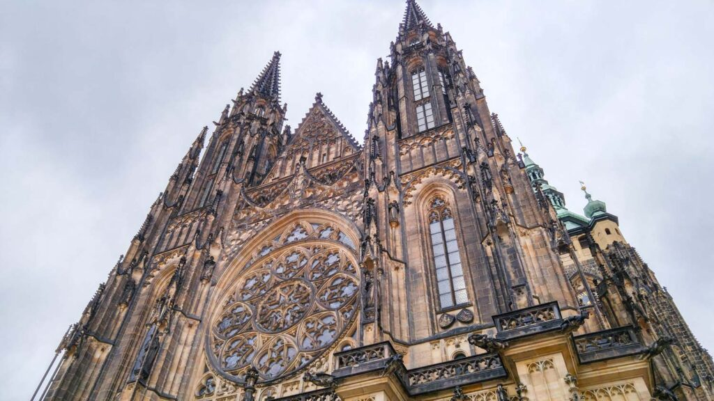 A Guide To St Vitus Cathedral Prague The Creative Adventurer